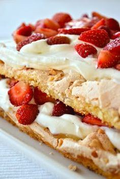 Britakakkua juhannusherkuksi Recipes From Heaven, Nom Nom, Waffles, Cake Recipes, Cheesecake, Deserts, Food And Drink, Dining, Fruit