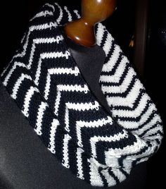 Chevron Tube Cowl By Plymouth Yarn Design Studio - Free Knitted Pattern - (ravelry)