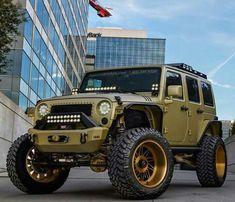 Custom Jeep by Wrangler Rubicon, Jeep Wrangler Unlimited, Jeep 4x4, Jeep Truck, Jeeps Levantados, Lifted Jeeps, Badass Jeep, Sand Rail, Custom Jeep