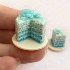 Items similar to Miniature food for dollhouse, fake blue gradient cake with flowers , polymer clay food for dolls and dollhouse scale on Etsy Polymer Clay Cake, Polymer Clay Miniatures, Polymer Clay Charms, Mini Tortillas, Miniature Crafts, Miniature Food, Doll Food, Tiny Food, Clay Design