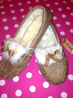 NEW MUDD WOMEN'S HOUSE SLIPPERS SHOES MOCCASIN TAN CHESTNUT BLING FAUX FUR 7/8 M #mudd #MoccasinSlippers