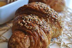 Cornetti integrali ai cereali e miele (1) Fett, Banana Bread, Vegan Recipes, Vegan Food, Breakfast, Cake, Desserts, Pizza, Tiffany