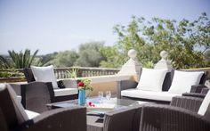 Finca Son Niu   Traumhafte Villa für grosse Gruppen, von 13 - 19 Personen, Familien oder Freunde in luxuriösem Ambiente. Das imposante Herrenhaus liegt nur wenige Minuten zu den nächsten Stränden im Norden Mallorcas und bietet Ihnen in ruhiger Lage einen unvergesslichen Fincaurlaub.