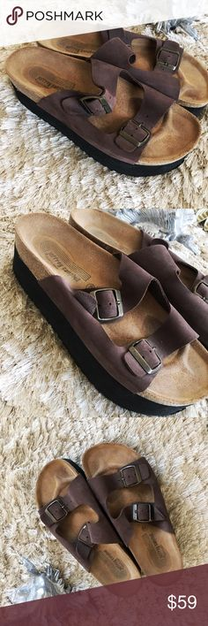 JEFFREY CAMPBELL Platform Birkenstock Sandals 8 EUC Size 38 / 8, Brown Suede leather, adjustable straps, perfect for a boost in height with all the comfort and can be paired with cute print socks too. Jeffrey Campbell Shoes