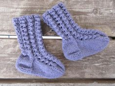 Knitting Socks, Baby Knitting, Knit Baby Dress, Boot Cuffs, Knit Crochet, Diy And Crafts, Baby Kids, Decor, Threading