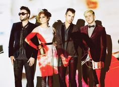 Neon Trees.... Would love to see them live!