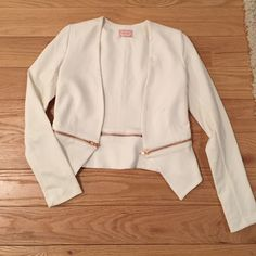 BRAND NEW WHITE STRETCH BLAZER ROSE GOLD ZIPPER Brand new!! Purchased at Nordstrom for $119 this is a gorgeous extra small66% rayon 30% nylon 4% spandex white blazer that is SO on trend right now!!!!! The zippers are functional so you could zip away the bottom half for an edgier look!!! Love...ady Jackets & Coats Blazers