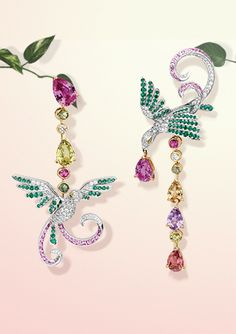Van Cleef & Arpels Oiseaux de Paradis Asymmetric earrings: sapphires, emeralds, spinels, diamonds, gold