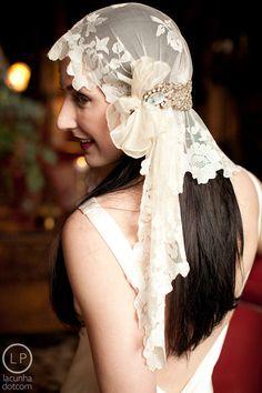 Deco Bridal Veil