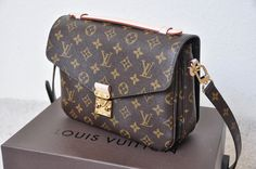 LV Handbags New LV Collection For Louis Vuitton Handbags,Must have it New Louis Vuitton Handbags, Pochette Louis Vuitton, Fashion Handbags, Purses And Handbags, Fashion Bags, Louis Vuitton Monogram, Hermes Handbags, Handbags Online, Tote Handbags