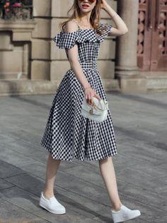 Shop Black Checkerboard Fold Over Cold Shoulder Dress online. SheIn offers Black Checkerboard Fold Over Cold Shoulder Dress & more to fit your fashionable needs. Skirt Outfits, Dress Skirt, Dress Up, Skater Dress, Smock Dress, Chiffon Dress, Strapless Dress, Cute Dresses, Casual Dresses