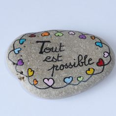 Painted Rock Ideas - Do you need rock painting ideas for spreading rocks around your neighborhood or the Kindness Rocks Project? Here's some inspiration with my best tips! Pebble Painting, Pebble Art, Stone Painting, Rock Crafts, Diy And Crafts, Rock Painting Ideas Easy, Land Art, Stone Art, Rock Art