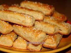Bryndzové tyčinky • Recept | svetvomne.sk Christmas Snacks, Christmas Baking, Pastry Cutter Wheel, New Years Eve Snacks, Cheese Sticks Recipe, Sheep Cheese, Fingerfood Party, Party Finger Foods, Baking Tins