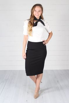 how to wear pencil skirt Pencil Skirt Casual, Pencil Skirt Outfits, Pencil Skirt Black, Pencil Skirts, Cute Casual Outfits, Stylish Outfits, Fashion Outfits, Office Outfits, Work Outfits