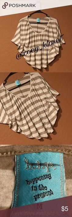 🔥Short Crop Tunic Top Good Condition, striped, loose fit, wide open sleeve. Happening In The Present Tops Crop Tops
