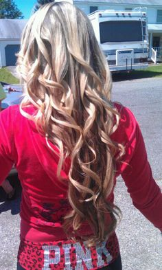 Long layered multi-toned blonde loose curls hairstyle. L♥Ve it!