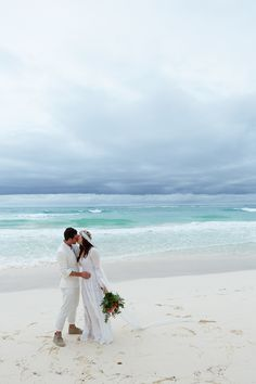 beach wedding in Tulum {major inspo} Lotus's Suggest Beach Event Look/ Fashion from the Web! Vogue Wedding, Wedding Bride, Dream Wedding, Perfect Wedding, Wedding Dresses, Beach Wedding Inspiration, Beach Wedding Invitations, Invites, Wedding Trends