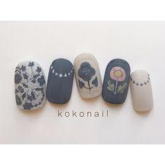 No photo description available. Aloha Nails, Neon Nails, Bling Nails, Korea Nail, Asian Nails, Spring Nail Trends, Japanese Nail Art, Latest Nail Art, Ideas Geniales