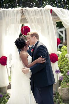 AFRICAN-AND-AFRICAN-AMERICAN-INSPIRED INSPIRATION featured on http://weddingnouveau.com #africanamerican #africanamericanwedding #africanamericanbride