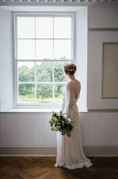 Flowing Ethereal Dress Gown Bride Bridal Wild Opulence Autumn Wedding Ideas http://www.storyweddingphotography.co.uk/