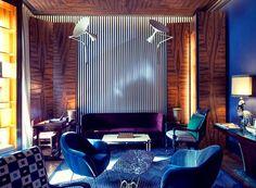 Uma townhouse no coração de Lisboa | Mutante Magazine Old Things, Luxury, Travel, Vintage Patio Furniture, Warm Colors, Lisbon, Houses, Voyage, Viajes