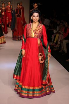 Lakme India is most famous brand for Fashion, style, trends and for up to date about new fasion styles. Lakme India Fashion Week 2014 Latest design, Style, new trends. Anarkali Dress Pattern, Saree Dress, Saree Blouse, India Fashion Week, Lakme Fashion Week, Fashion Weeks, Bollywood Lehenga, Bollywood Fashion, Bollywood Style
