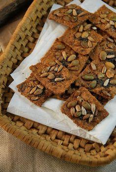 Ces petits biscuits apéritifs aux graines sont d'une facilité déconcertante à réaliser mais sont pourtant si bons à partager...