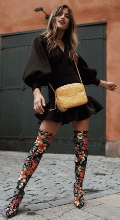 60 Colorful Outfits To Rock This Winter - Winter Fashion Classy Fall Outfits, Winter Mode Outfits, Fall Outfits For Teen Girls, Winter Fashion Outfits, Fall Fashion Trends, Autumn Fashion, Winter Stil, Fall Winter, Moda Vintage