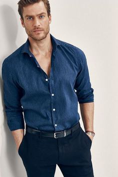 Cool T Shirts, Casual Shirts, Casual Outfits, Business Casual Men, Men Casual, Smart Casual Man, Smart Casual Menswear, Geile T-shirts, Formal Men Outfit