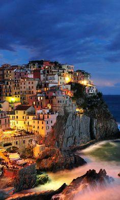 Manarola, La Spezia, Liguria, Italy  Prachtig! (en mooie herinneringen :-))
