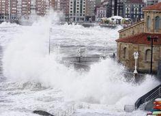 San Pedro, Gijón, entre tanta espuma tendrá que haber una Loba esperando... quien se anima?