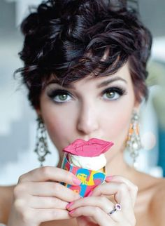 Classy & Curly Pixie Haircut For Women - Reny styles #PixieHairstylesCurly