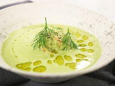 Grön ärtsoppa med wasabi, räkor och avokado Blenders, Hummus, Ethnic Recipes, Food, Mixer, Essen, Meals, Yemek, Eten