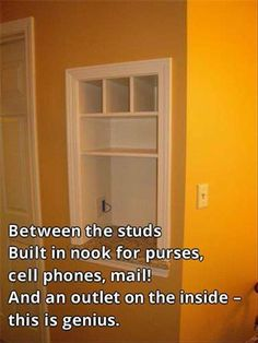 Smart idea for future home How To Be Outgoing, Electrical Outlets, Entry Foyer, Declutter Your Home, Keys, Bathroom Medicine Cabinet, Decor Ideas, Interior Decorating, Shelves