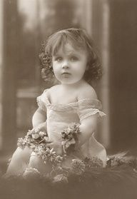 victorian photography of a beautiful child