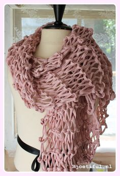 Large scarf, knitted with Zpagetti