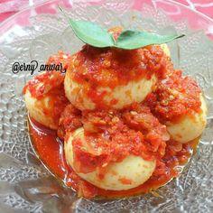 Resep olahan telur sederhana Instagram Egg Recipes, Recipies, Dessert Recipes, Cooking Recipes, Desserts, Easy Sauce Recipe, Sauce Recipes, Egg Dish, Indonesian Food