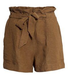 Shorts in a linen blend €19,99