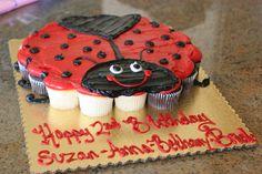 The ladybug birthday cupcakes! Pull Apart Cupcake Cake, Pull Apart Cake, Cupcake Cakes, Ladybug Cakes, Ladybug Party, Ladybug Picnic, Cute Cupcakes, Birthday Cupcakes, Lady Bug