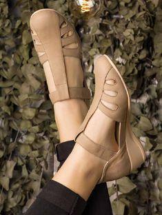 23b0a56a Zapato SAVANA 2150: Elegante y cómodo zapato abierto de cuña con cierre de  velcro,