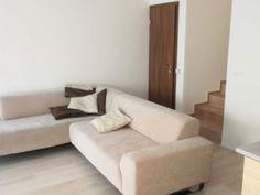 Budapest XXII. kerület Kiadó Lakás Sofa, Couch, Budapest, Furniture, Home Decor, Homemade Home Decor, Sofas, Home Furnishings, Interior Design