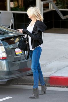 Cameron Diaz in Mother Denim... and killer boots!