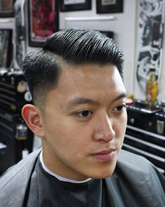 The top short hairstyles for men for the year 2018 are eye-catching and somewhat sophisticated. Today the short mens hairstyles have become particularly. Casual Hairstyles For Men, Easy Mens Hairstyles, Side Part Hairstyles, Asian Men Hairstyle, Slick Hairstyles, Asian Hair, Haircuts For Men, Men's Haircuts, Medium Hair Cuts