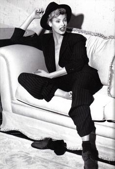 Linda Evangelista for Donna Karan Fall/Winter 1994-95 Campaign. Photographed by Steven Meisel