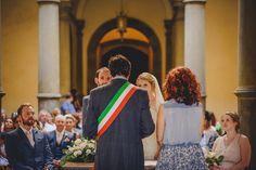 L&R civil wedding in Monte San Savino Town Halll - wedding planning by www.tuscantoursandweddings.com