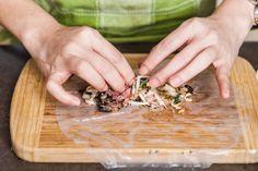 Jarní závitky svepřovým masem - Proženy Sushi, Vegetables, Food, Asia, Essen, Vegetable Recipes, Meals, Yemek, Veggies
