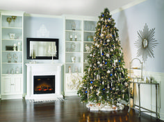 Traditional and elegant! | Classique et élégant! #Christmas #Noel #holiday #tree