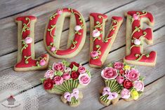 Romantic LOVE letters and bouquets of roses decorated cookies by Julia Baerwald