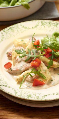 Zartes Fleisch, cremige Sauce und weißer Spargel - das ist richtig Frühling auf dem Teller!