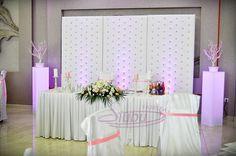 Dekoracja sali weselnej Dwa Serca Krosno wykonanie aranżacja www.fabrykaslubu.pl